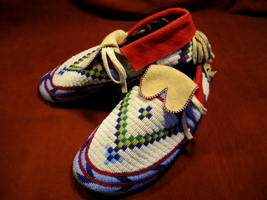 Northern Plains style moccasins